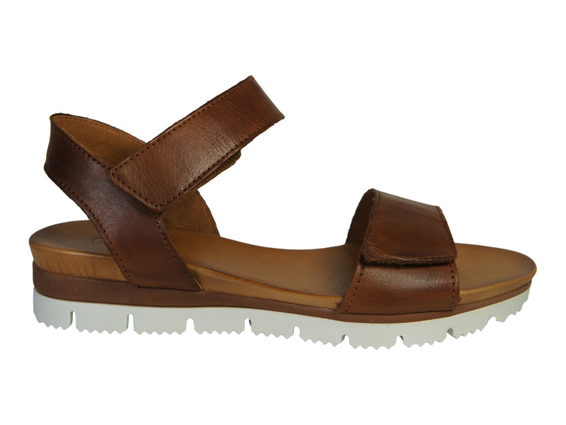 AQA Shoes A6811
