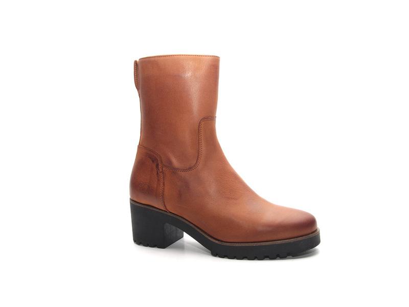 AQA Shoes A7063