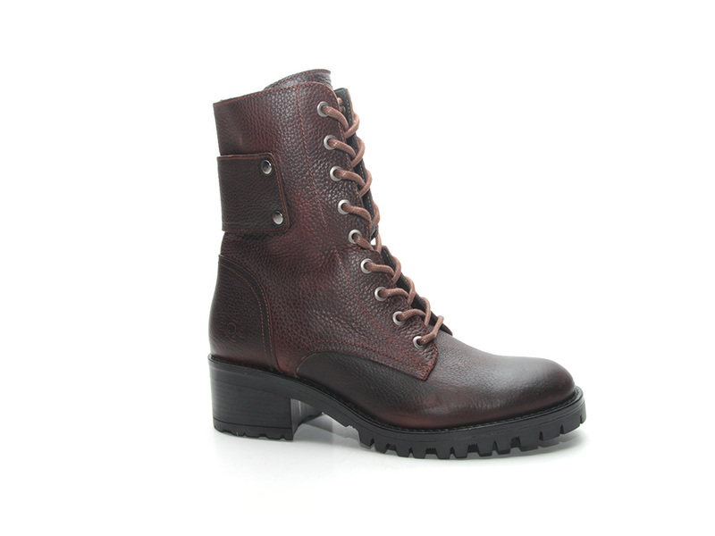 AQA Shoes A7073