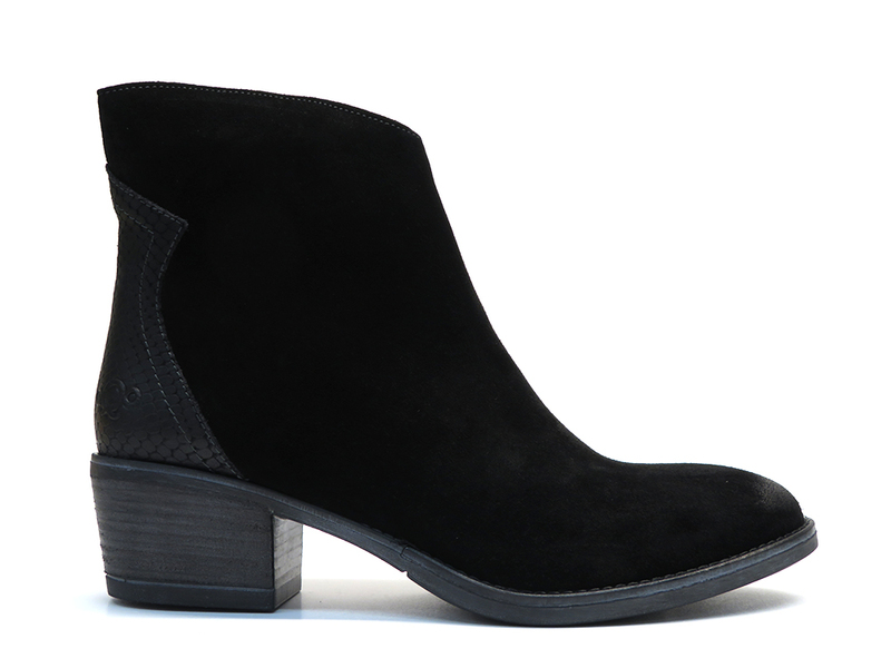 AQA Shoes A7600