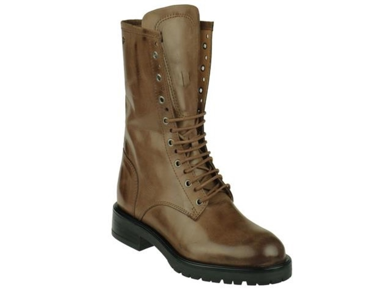 AQA Shoes A7526
