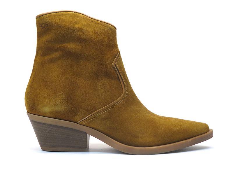 AQA Shoes A7755